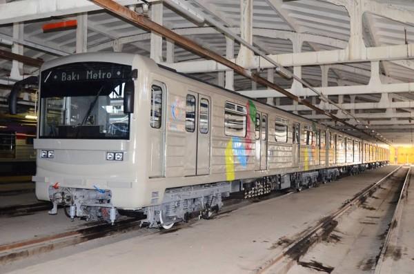 Bakı metrosunda I Avropa Oyunlarının loqotipi