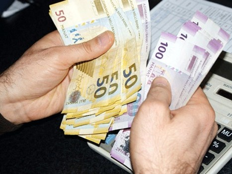 Azərbaycanda təhsil haqqı aşağı salındı