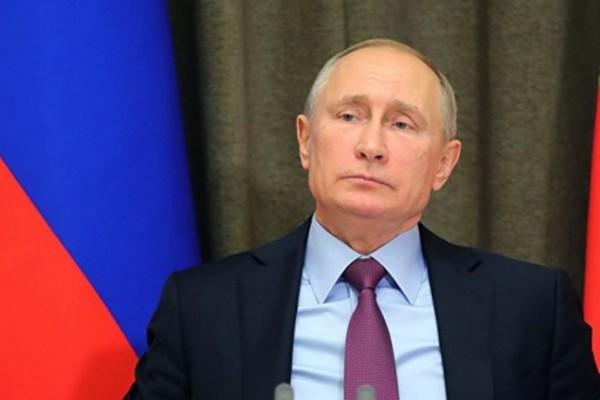 Putin üç azərbaycanlıya vətəndaşlıq verdi