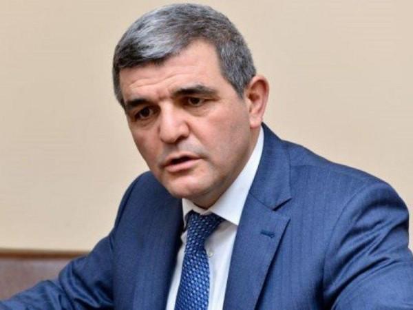 """Millət vəkili Fazil Mustafa qazi baş redaktorun """"cinayət işi"""" ilə bağlı fikir bildirdi..."""