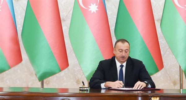 Prezident iki FƏRMAN imzaladı