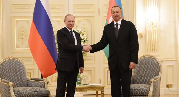 İlham Əliyev Putinə zəng edib
