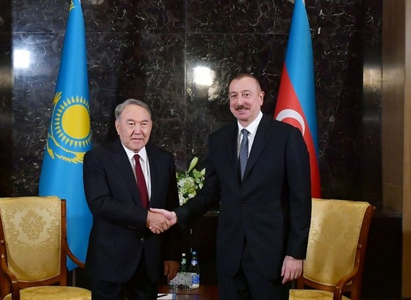 Prezident İlham Əliyev Nursultan Nazarbayevə zəng edib
