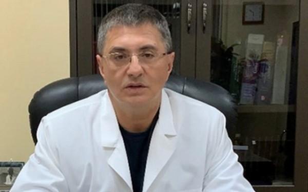 Koronavirusun yüngül formasında xəstəxanaya getməyin – Myasnikov