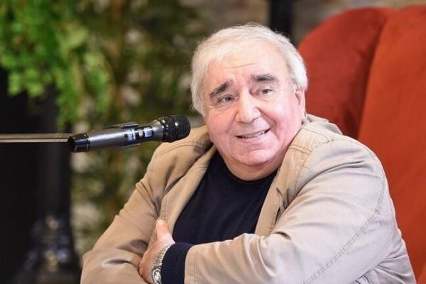Prezident Ramiz Rövşənə ev hədiyyə etdi