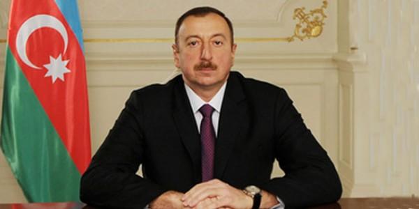 Azərbaycan Prezidenti İlham Əliyev yaşayış minimumu haqqında qanunu imzalayıb