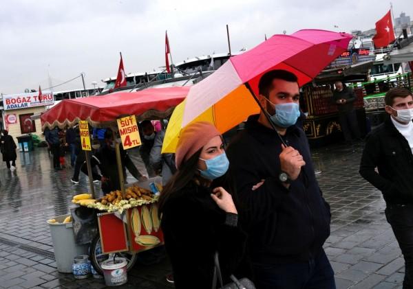 Türkiyədə koronavirusdan sağalanların sayı 2,44 milyon nəfəri ötüb