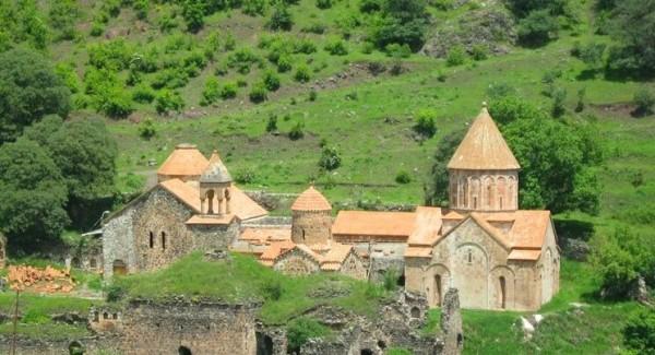Sülhməramlılar 28 ermənini Xudavəngə gətirdi