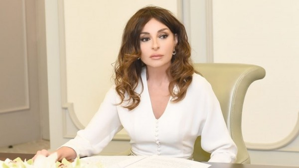 Mehriban Əliyeva Azərbaycanın xristian icmasını təbrik etdi -  FOTO