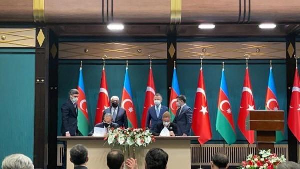 Azərbaycanla Türkiyə arasında sənəd imzalandı