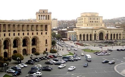 Erməni general qiyamçıların tərəfinə keçdi: İrəvanda 1 mart 2008 qırğını təkrarlana bilər