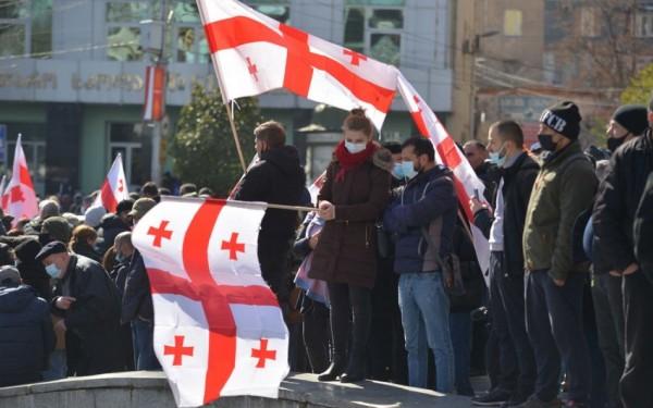 Gürcüstan müxalifəti fasiləsiz etiraz aksiyaları elan etdi