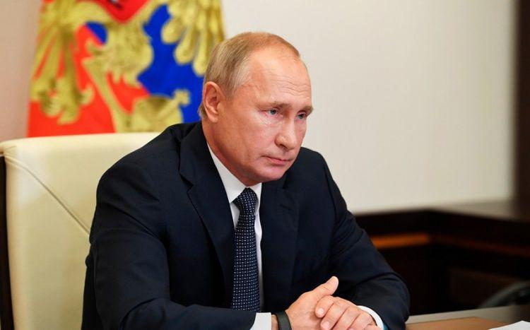 """Peyvənd olunan Putin danışdı: """"İndi görək nə vaxt..."""""""