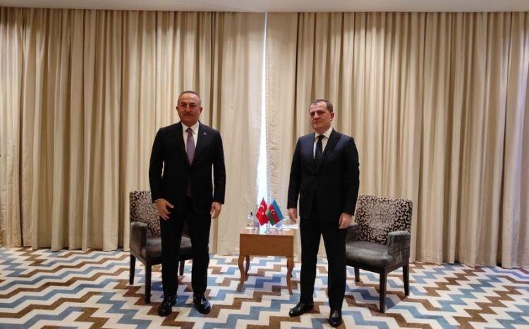Azərbaycan və Türkiyə XİN başçılarının Tacikistanda görüşü olub