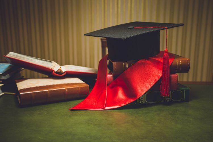 Təhsil Nazirliyi bu ölkələrin universitet diplomlarını tanımadı -  SİYAHI