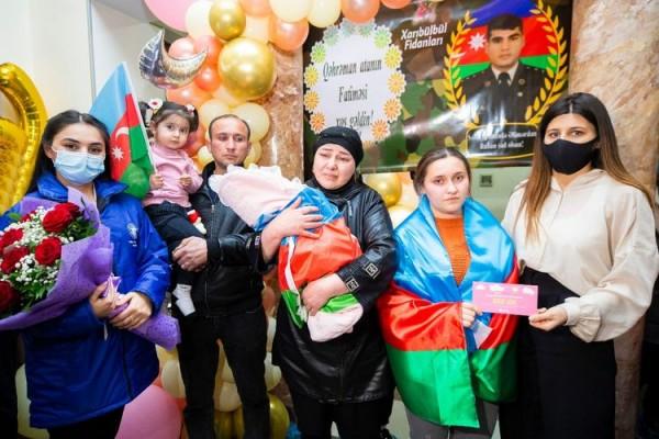 Daha bir şəhidin yeni doğulan övladına hesab açıldı - FOTO
