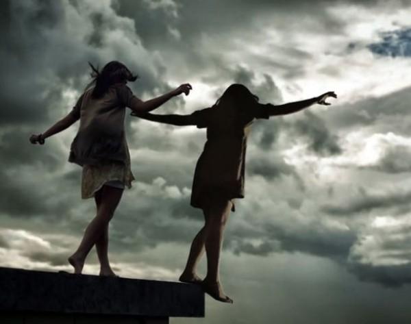 Bakıda intihar edən yeniyetmə qızların kimliyi bilindi