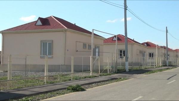 Füzuli rayonunda məcburi köçkünlərə yeni evlər verilib