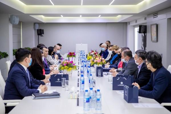 Nazir Sahil Babayev İctimai şuranın yeni tərkibdə üzvləri ilə görüşüb