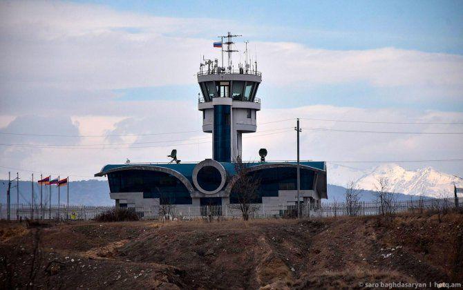 Xocalı aeroportunda Rusiya və Ermənistan bayraqları dalğalanır, üstəlik...- FOTO
