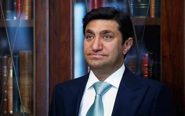 Qod Nisanov qaziyə ev bağışladı - VİDEO
