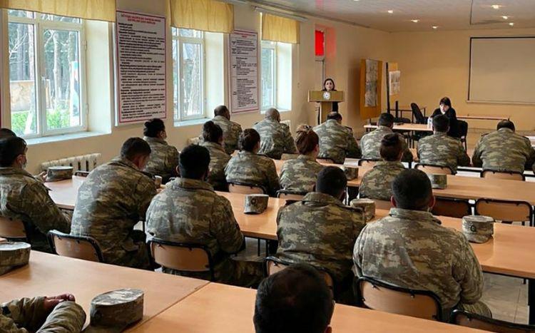 Hərbi qulluqçular üçün seminarlar keçirilir -  FOTO