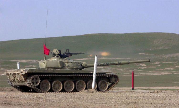 Tank bölmələri döyüş atışları icra edib - VİDEO
