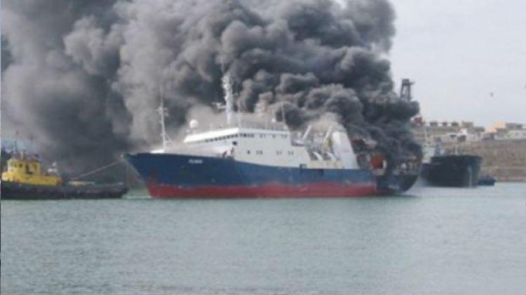 Bakıda yanan gəmi söndürülüb -  Yenilənib