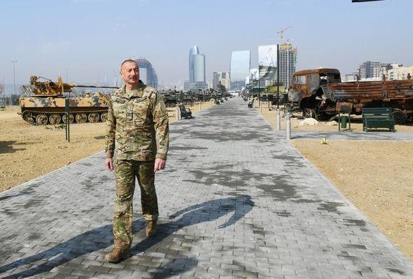 İlham Əliyev Bakıda Hərbi Qənimətlər Parkının açılışında iştirak etdi -  FOTO - VİDEO