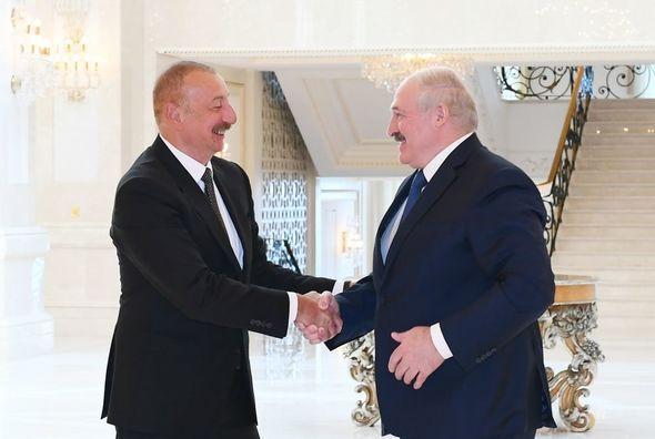 """Lukaşenko:  """"İşğaldan azad edilmiş ərazilərdə həyatın bərpası üçün çox ağır işlər görülməlidir"""""""