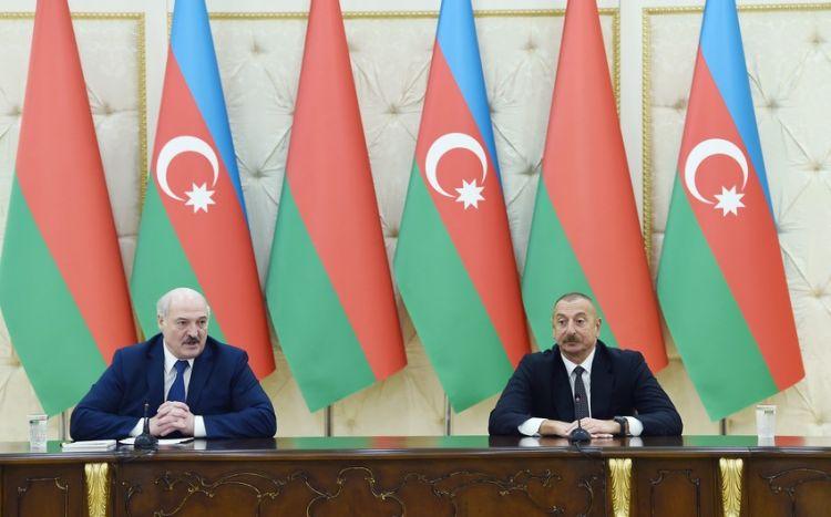 Azərbaycan və Belarus prezidentləri mətbuata bəyanatlarla çıxış ediblər -  FOTO