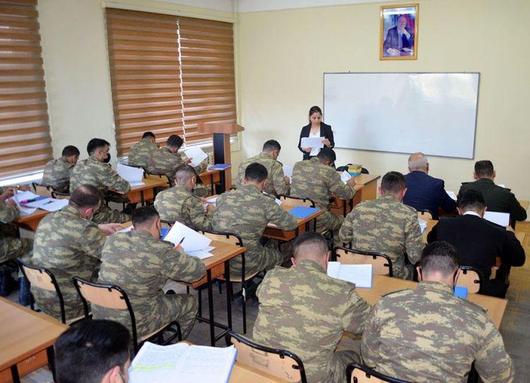 Silahlı Qüvvələrin Təlim və Tədris Mərkəzində elmi-praktiki seminar keçirilib -  VİDEO