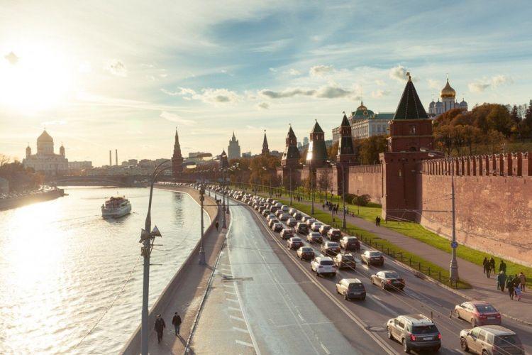 Putinin Ukrayna manevrləri -  dünya Kremldən niyə çəkinir?