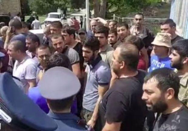 Ermənilər Paşinyanı daha bir şəhərə buraxmadılar -  VİDEO