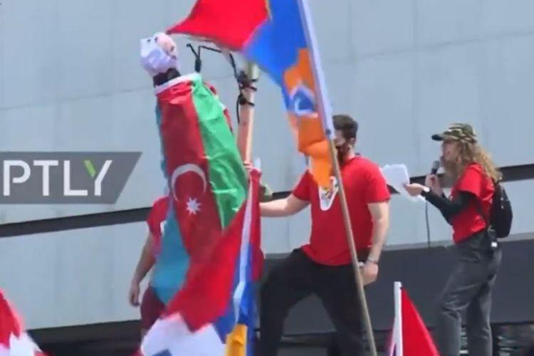 ABŞ-da ermənilərdən azərbaycanlılara qarşı etnik zorakılıq çağırışı - VİDEO