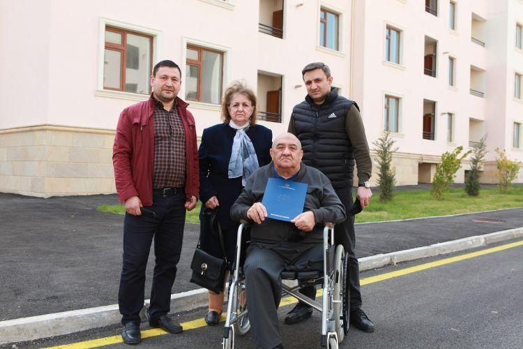 Nazirlik tərəfindən Çernobıl əlillərinə 30 mənzil təqdim olundu -  FOTO