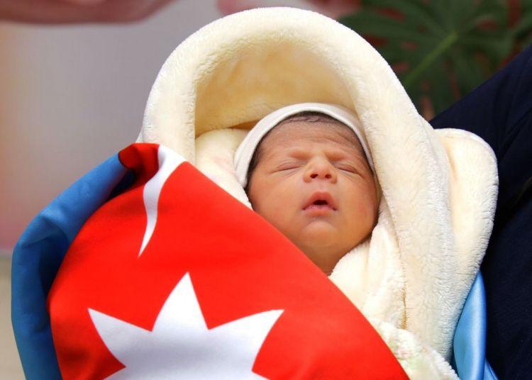 Daha bir şəhidin yeni doğulan övladına hesab açılır -  FOTO