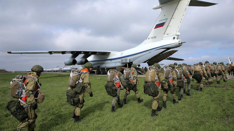 Rusiya Ukrayna ilə sərhəddən qoşunlarını geri çəkməyə başladı