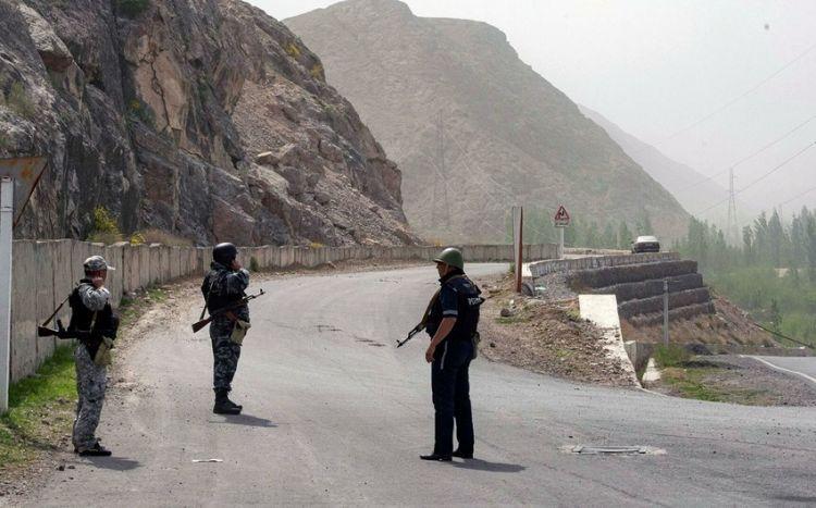 Qırğızıstan və Tacikistan qoşunları geri çəkir