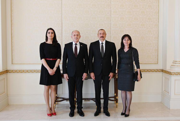 Prezident Serbiyanın yeni səfirinin etimadnaməsini qəbul edib -  FOTO