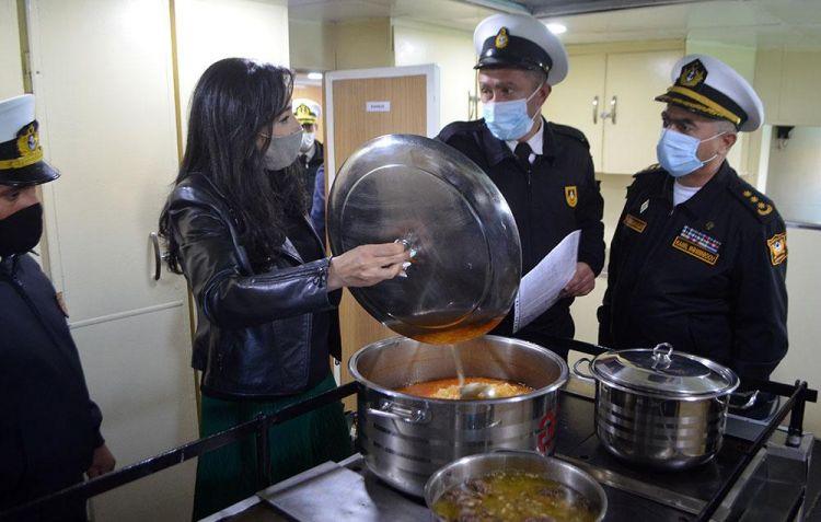 Ombudsman HDQ-nin hərbi hissəsinə gəldi -  FOTO