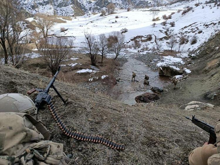 """Ermənistanla sərhəddə hərbi əməliyyatlar başladı:  """"Eren-15"""" - VİDEO"""