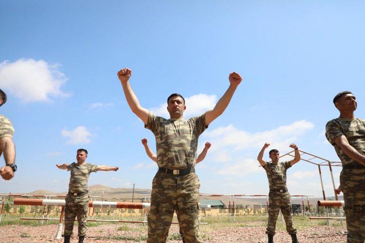 Azərbaycan Ordusunda MAXE olmaq istəyənlərə kurslar keçirilir -  FOTO