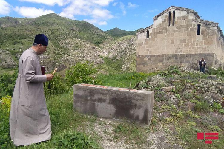 """Udilər Laçında """"Ağoğlan"""" monastırında Pasxa bayramını qeyd edib -  FOTO"""
