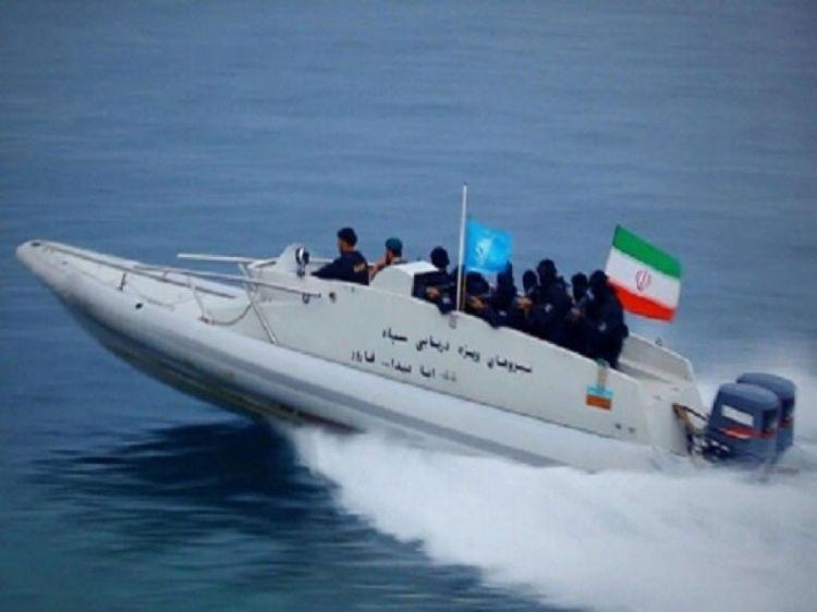İran və ABŞ dənizçiləri arasında insident: Havaya həyəcan fişəngi atılıb