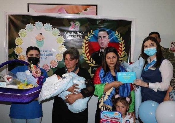 Üç şəhidin yeni doğulan övladına hesab açılacaq -  FOTO