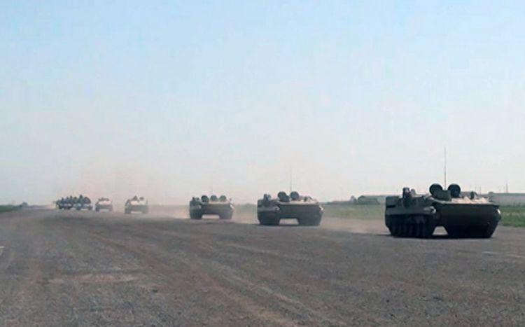 Raket və artilleriya bölmələri təyin edilmiş marşrutlarla hərəkət edir -  VİDEO