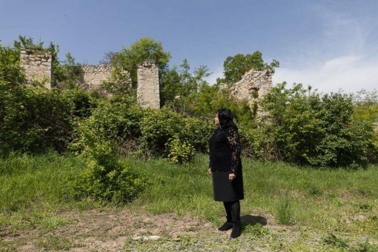Xan Şuşinskinin qızı Şuşada ata evini tapdı -  FOTO