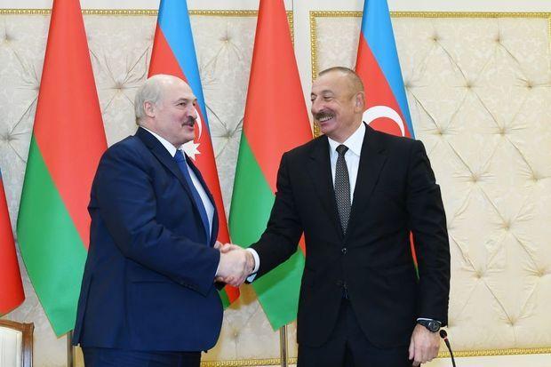 İlham Əliyevlə Aleksandr Lukaşenko arasında telefon danışığı olub