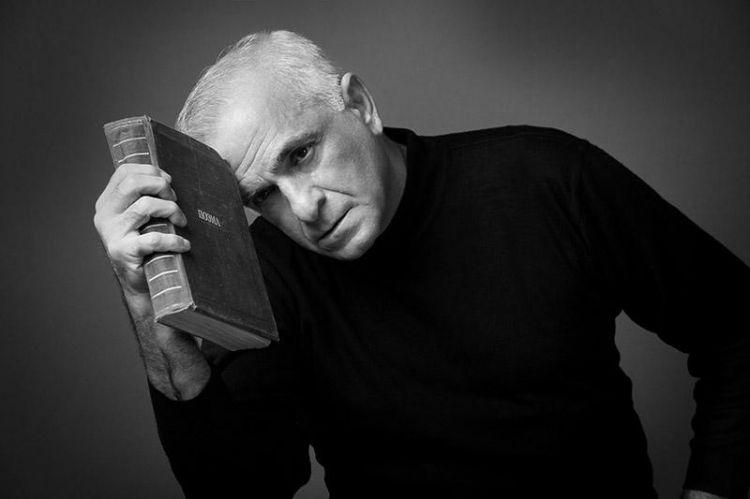 Görkəmli teatr və kino aktyoru  Fuad Poladovun ildönümüdür